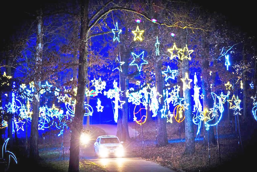 Some 140,000 People Are Expected To Make The Procession Through The Orion  Starry Nights Set Of Light Displays And Holiday Themed Arrangements This  Year At ...