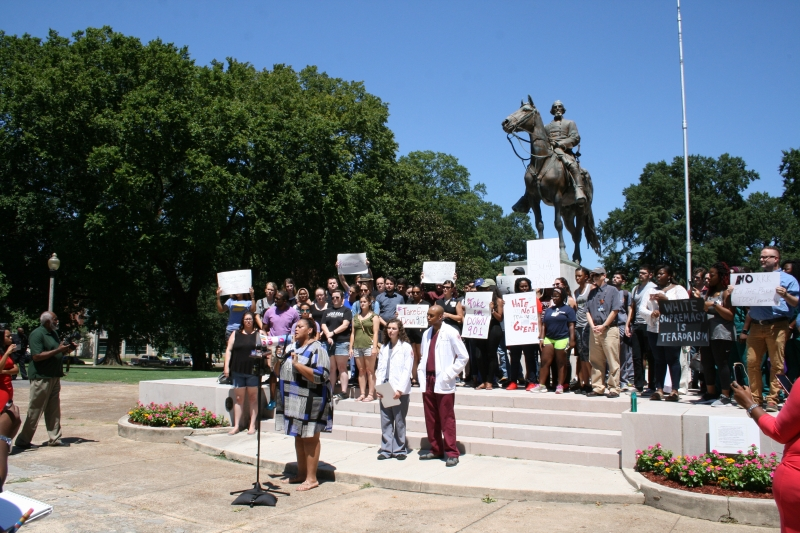 Hundreds attend rally at Nathan Bedford Forrest statue