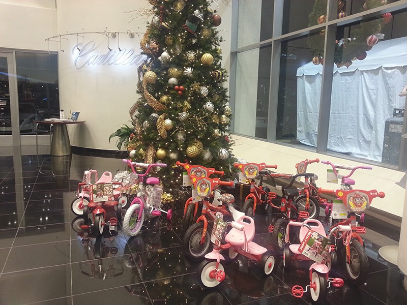 holiday toy truck fundraiser to benefit porter leath kids memphis daily news. Black Bedroom Furniture Sets. Home Design Ideas
