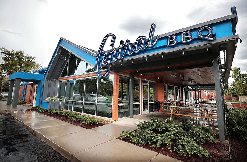 Central Bbq Opens In East Memphis At Former Lyfe Kitchen Memphis